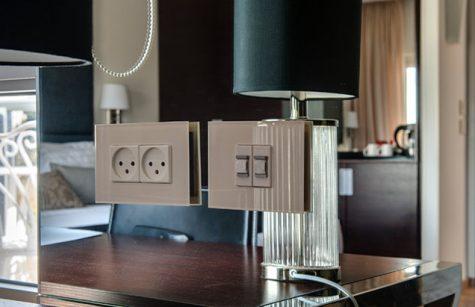 מערכת חשמל חכם לבית מלום- מתגים ותאורה